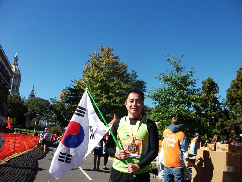 2012 10 13 Hartford Marathon 013.JPG